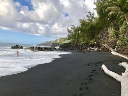 beaches with black sand cottage by the sea steps to kehena black vrbo