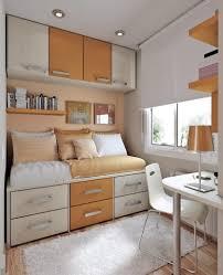 Kleines Schlafzimmer Platzsparend Einrichten Haus Renovierung Mit Modernem Innenarchitektur Ehrfürchtiges
