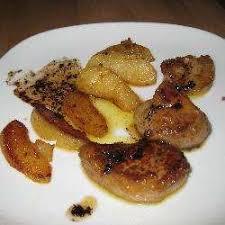cuisiner un foie gras frais recette foie gras frais sauté aux pommes toutes les recettes