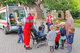 Feuerwehr Bad Berneck Das Brk Zu Besuch Im Kindergarten St Johannis U2013 Brk Kreisverband