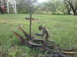 mexican horseshoes praying cowboy made out of horseshoes horseshoes