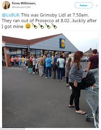 lidl siege social lidl s 3 33 a bottle prosecco deal sees stores sell out daily