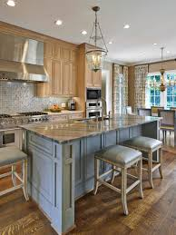 eat in kitchen floor plans this traditional eat in kitchen features an open floor plan