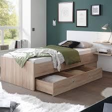 chambre rangement lit avec rangement une astuce gain de place but