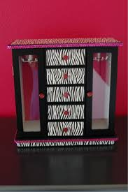 girls zebra striped jewelry box plain black then covered in zebra