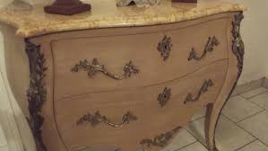 Commode Baroque Rouge by Grande Commode Baroque En Bois Patinee A L Ancienne 2