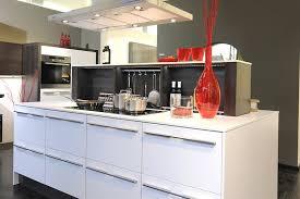 meuble cuisine italienne cuisine italienne avec ilot central blanc marseille bouche du