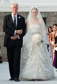 chelsea clinton wedding dress all the details on chelsea clinton s wedding dress chelsea