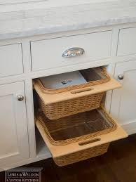 Pull Out Baskets For Kitchen Cabinets by Kitchen Island Pull Out Baskets Design Ideas