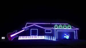 amazing and hilarious christmas light show christmas can can