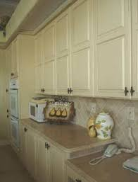 what paint goes with pickled oak cabinets oak cabinets cabinets