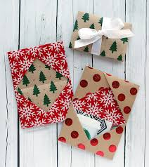 christmas wrapping paper holder card series 2016 day 5 diy gift card holder made from