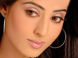 indian beauty wallpapers mahi gill wallpapers bold beauty of bollywood xcitefun net