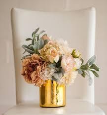 Cylinder Vase Centerpiece by Best 25 Small Flower Arrangements Ideas On Pinterest Table