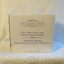 retired hallmark mansion on ravenwood w 7 ornaments