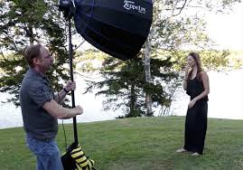 ambient light photography tutorial how to mix ambient light and fill flash for outdoor portraits