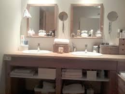 idee deco wc zen tapisserie vert anis sur idees de decoration interieure et