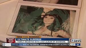 Las Vegas Photo Album Las Vegas Man Finds Album Filled With Pictures Of Former Showgirl