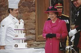 queen elizabeth turns 91 still loves cake bon appetit
