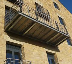 balcony flooring durable maintenance free anti slip decking