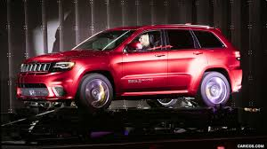 trackhawk jeep cherokee 2018 jeep grand cherokee supercharged trackhawk presentation at