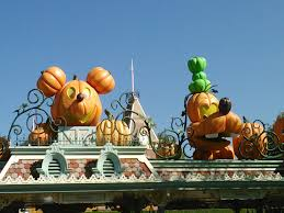 top five reasons to go to mickey u0027s halloween party at disneyland