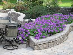 retaining wall that doubles as planter allan block by nitterhouse