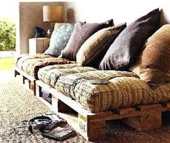 lit transformé en canapé lit transforme en canape amacnagement studio actudiant avec des