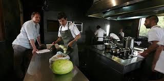 travailler en cuisine gastronomie ça manque de femmes à la cuisine slate fr