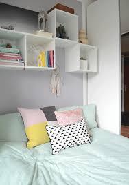 Schlafzimmer Bett Und Kommode Frühling Im Mini Schlafzimmer