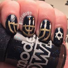 hanukkah nail hanukkah menorah nails nail by lottie nailpolis museum of