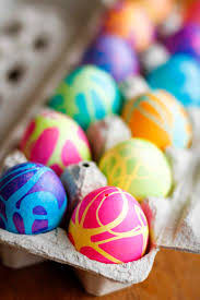how to color easter eggs coloring easter eggs w rubber cement food coloring unsophisticook