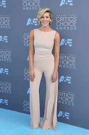 charissa thompson short hair images critics choice awards photos see the 2016 red carpet pictures