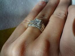 how do wedding rings work servers waitresses do you wear your ring to work show pics