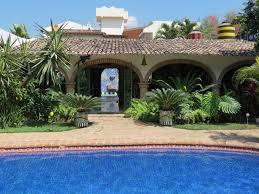 courtyard ideas home designs exquisite hacienda home courtyards baldoa home