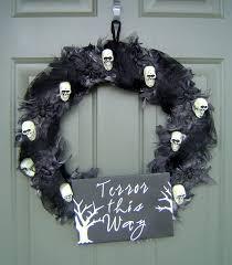 Diy Halloween Wreath Ideas by Halloween Wreath