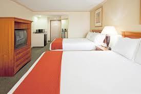Comfort Suites Miami Springs Holiday Inn Miami Hialeah Fl Booking Com