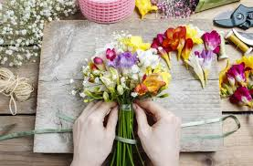 Floral Arranging | amazing flower arranging you can do at home mom central