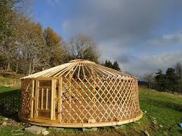 tende yurta eco yourte les airelles cabanes roulot yurt anth礙me puy