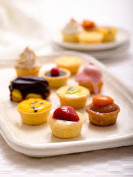 petites cuisines am ag s 65 best petit fors images on mini cakes petit fors and