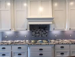 Backsplashes For White Cabinets by Backsplash Help Alaska White Granite Off White Cabinets