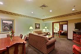 Comfort Suites Tulsa Hotel Comfort Suites Green Bay Wi Booking Com