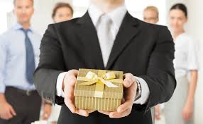 corporate gifts tips to every type of business colleague
