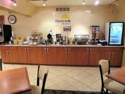 Comfort Inn Cleveland Airport Breakfast Room Picture Of Days Inn Cleveland Airport South
