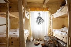 chambre dans un arbre arbres la chambre pour 4 à 6 personnes avec vue sur le jardin