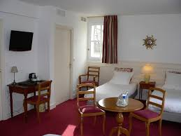 la chambre des 駱oux chateau de la rozelle洛泽尔城堡酒店预订 chateau de la rozelle洛泽尔