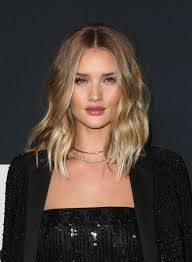 rosie huntington side parted lob the 50 sexiest lips in hollywood long wavy bobs wavy bobs and