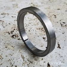 titanium key rings images Xl titanium key ring ti survival jpg