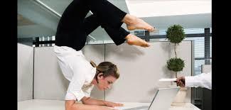 se muscler au bureau minceur exercice musculation à faire au bureau grazia fr grazia