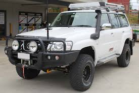 nissan patrol 2016 white nissan patrol gu wagon 2 inch superflex lift kit 4x4 airbags